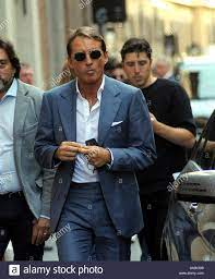 Milan, Italy. 20th Sep, 2019. Milan, Roberto Mancini in the center The  coach of the National Italy ROBERTO MANCINI walks through the streets of  the center. Credit: Independent Photo Agency Srl/Alamy Live