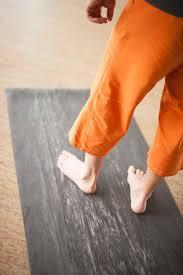 para rubber yoga mat in storm