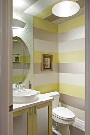 Streifen An Der Wand Im Bad In Silber Gelb Und Weiß Mutti In 2019