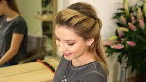 Nevíte Jak Si česat Polodlouhé Vlasy Inspirujte Se 3 účesy Proženy