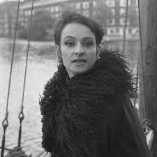 Barbara (singer) - Wikipedia