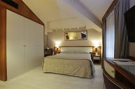 Rooms Classic Double Room With Spa Access Lucca Lu Hotel
