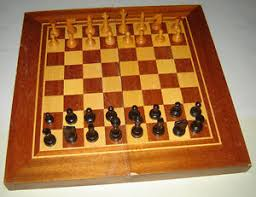 Wooden Box Board Games OLD VINTAGE WOODEN BOX BACKGAMMON and CHESS BOARD GAME Set 71