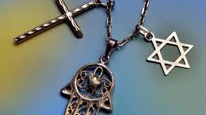 religion er ofte meget materialistisk og kræver konkrete fysiske steder for at udfolde sig