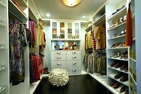 bedroom with walk in closet layout master bedroom with walk in closet walk in closet designs