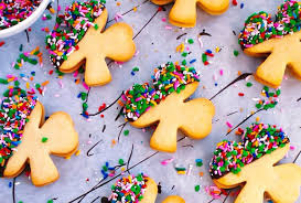 Stir in the oats, drop rounded teaspoons of the dough about 3 inches apart onto ungreased baking sheets, and bake the cookies in batches in the middle of a preheated 350°f. These Easy To Make St Patrick S Day Cookies Taste Like An Irish Coffee And They Re Festive Too Salon Com