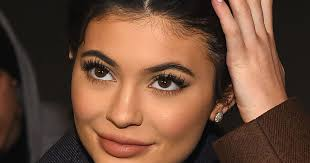 kylie jenner reveals why her face looks so drastically diffe