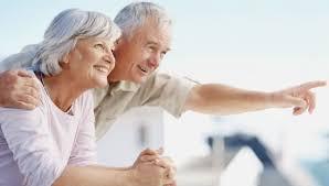 Risultati immagini per coppia anziana che si guarda
