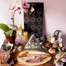 Spiritual Glamour: How to use crystals and stones in your home (to attract  more of what you want!)  The Decorista