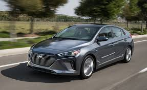 Hyundai\u0027s 2017 Ioniq Hybrid Doesn\u0027t Have The Toyota Prius\u0027 Flamboyant  Styling, But It Does An EPA-certified Fuel Economy Rating That Bests Prius ... HybridCars.com
