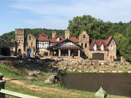 Twin Turret Farm and Castle - Houses for Rent in Saint Mary ...