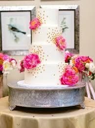 18 glamorous metallic wedding cakes