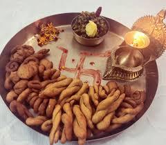 All About Ghughutiya and Kumaon's Uttarayani Mela - Outlook Traveller