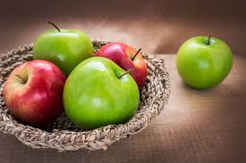 green and red apples in basket. red-and-green-apples-in-a-basket green and red apples in basket p