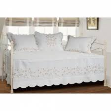 gray daybed bedding day bed cover red daybed cover daybed bedskirt daybed comforters and quilts