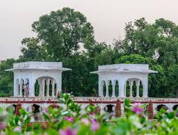 File:Main Pavilion of Faiz Baksh means Bestower of Goodness. (Middle Terrace )