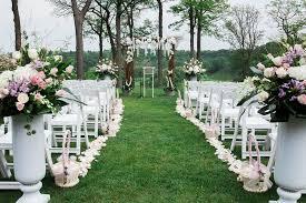the pros and cons of diy wedding décor