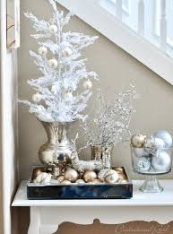 Decorating With Silver Trays Top 100 Elegant And Dreamy White And Gold Christmas Decoration Ideas 75