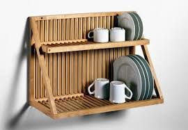 Traditional Wooden Plate Rack from Nutscene