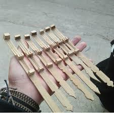 Salah satu musik menarik yang dimainkan adalah karinding. Karinding Berasal Dari Daerah