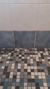 Colori Per Dipingere Le Pareti Del Bagno : Consigli per restaurare le pareti del bagno