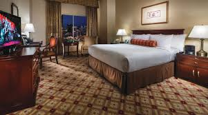 Luxor 2 Bedroom Suite Las Vegas Rooms Deluxe Queen Room Monte Carlo Resort And Casino