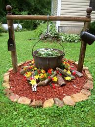 Small Picture 27 Gorgeous and Creative Flower Bed Ideas to Try Flower bed