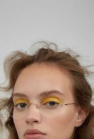 pop yellow this is the best shade for those who have hazel eyes you can apply it in two diffe ways you can either smudge it over the mobile lid right