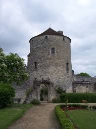 montaigne s tower