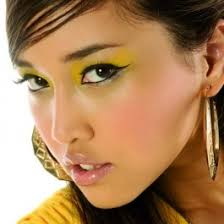 because choosing your makeup colors and style wrong can lead to a disastrous look try to inspire yourself from the following tanned skin makeup tips which
