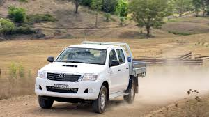 Toyota Hilux SR Double Cab Chassis 4x4 AU spec '2011–15 - YouTube