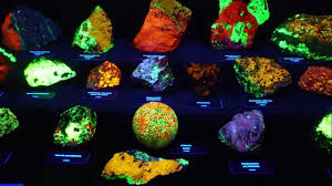 Displaying Fluorescent Minerals Design Examples