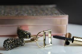 tarte eyelash curler. tarte lights camera flashes mascara holiday eyelash curler
