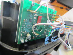 fedupairlinepilot vita mix 5000 variable speed fix repair before unbolting the potentiometer from the housing unplug the leads wires little connectors on them from the circuit board