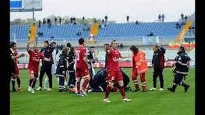 Death of Italian Football Player Piermario Morosini dies after collapsing  during Footballmatch - video Dailymotion