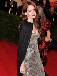 lana del rey turns retro hair and makeup into an all star beauty win vogue