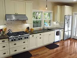 Shaker Kitchen Popular White Shaker Kitchen Cabinets Wonderful Kitchen Design