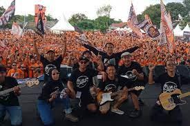 Nonton live streaming dengan channel terlengkap mulai dari tv nasional dan internasional serta pertandingan olahraga seperti liga champions dan liga 1 Skarbu Musik Anak Vespa Jakmania Untuk Persija Jakarta