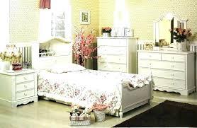 Vintage White Bedroom Furniture Antique Style White Bedroom