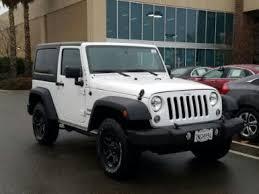 transmission automatic color white interior color black average vehicle review 4 826 reviews