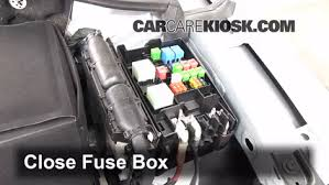 replace a fuse 2012 2017 volkswagen passat 2012 volkswagen passat passat fuse box 2004 6 replace cover secure the cover and test component