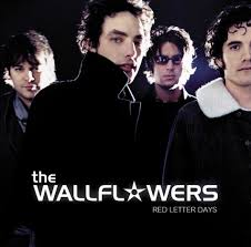 """The <b>Wallflowers</b> Revisit 15 Years Of """"<b>Red</b> Letter Days"""" On Vinyl"""
