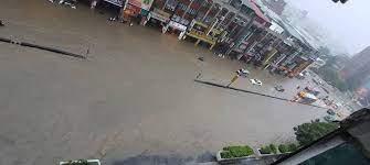 說明:臺北市淹水模擬 淹水深度:0.0~0.3 公尺 淹水深度:0.3~1.0 公尺 淹水深度:1.0~3.0 公尺 淹水深度:>3.0 公尺 近五年淹水調查位置(點) 說明 Zlb9mvropffxum