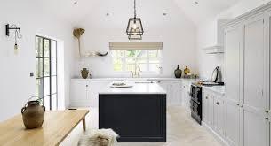 Lofty Modern Farmhouse Kitchen With Shaker Cabinets Farmhouse