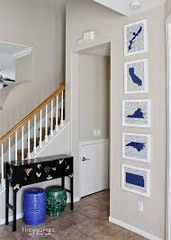 how to hang a gallery wall with command