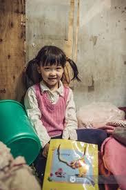 Image result for em bé nghèo