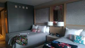 Hotels Near Disney World With Shuttle Orlando Bedroom Suites Fl Inspired  Resorts Universal Studios Family All ...