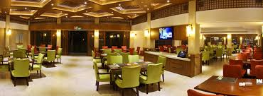 the 9100 square meter chinese restaurant can accommodate 166 round tables and has several private dining rooms including the imperial tea hall with 40