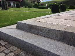 Granitplatten für eingangstreppe, verkauft nach schöneiche bei berlin, brandenburg. Alte Granit Treppenstufen Riessen Auswahl Sofort Lieferbar Steiner Naturstein
