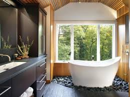 Assessing Needs For A Bath Remodel HGTV - Bathroom remodeling cleveland ohio